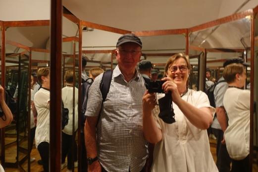 A new type of selfie! - inside Leonardo's 8 sided mirror chamber